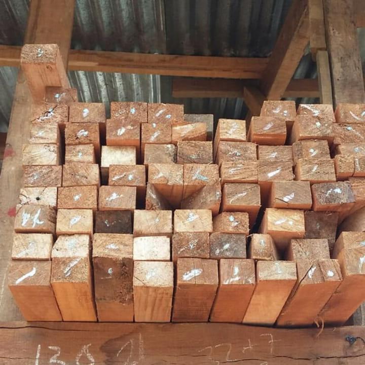 banner kayu kaso