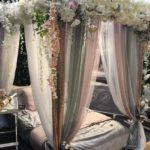 banner dekorasi kamar pengantin sempit