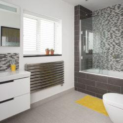 banner desain kamar mandi minimalis 2x3